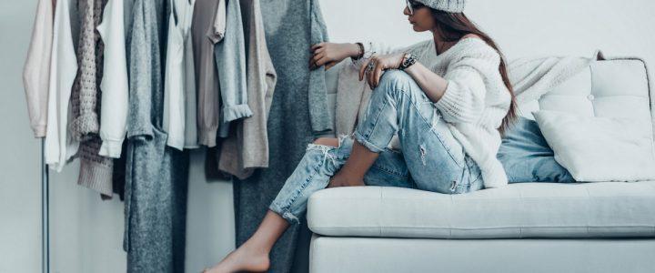 Cum sa-ti creezi o garderoba capsula cu doar 37 de obiecte vestimentare