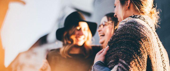 12 moduri simple de a ramane pozitiv si fericit